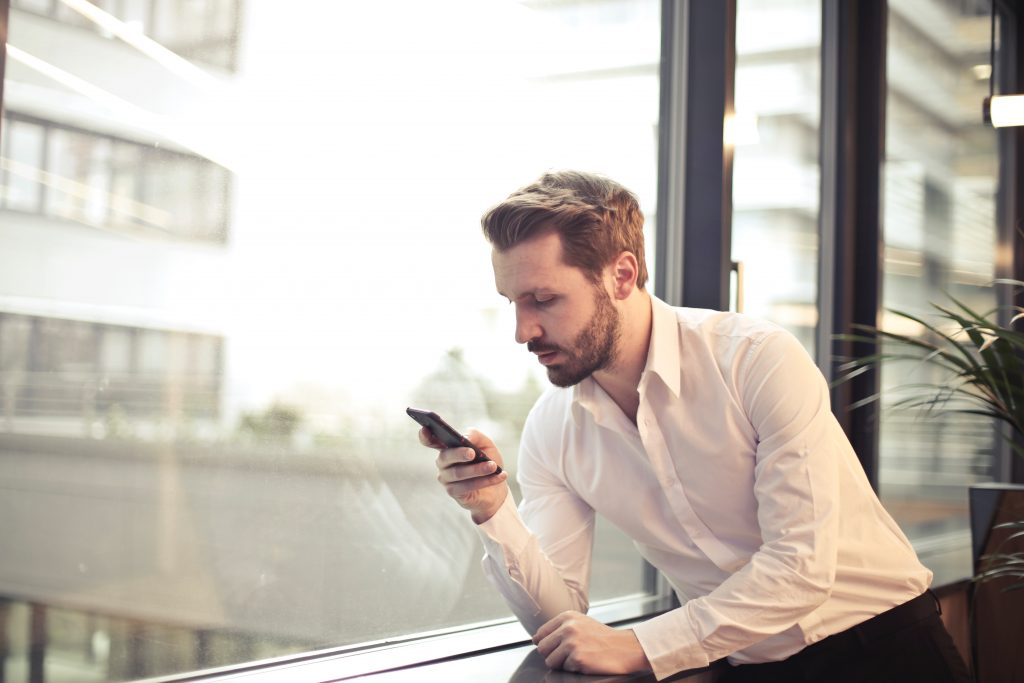 Which Business Mobile Phone: Choosing the device to fit your operations